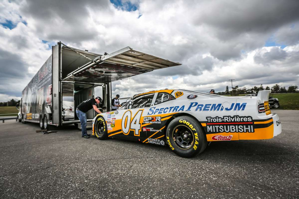 JF DUMOULIN BACK IN FULL FORCE FOR THE 2016 SEASON OPENER